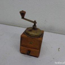 Antigüedades: MUY ANTIGUO MOLINILLO DE CAFE COMPLETO Y EN BUEN ESTADO. Lote 222486505