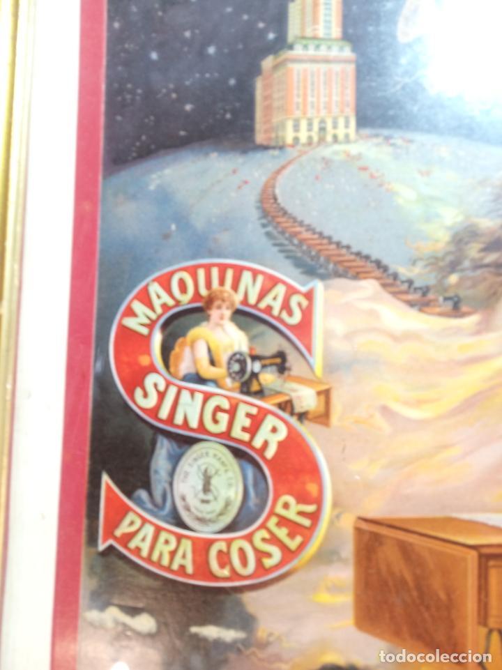 Antigüedades: Muy bello cartel litografiado con publicidad de máquinas Singer de coser. S. Durá. Valencia. - Foto 2 - 222504577
