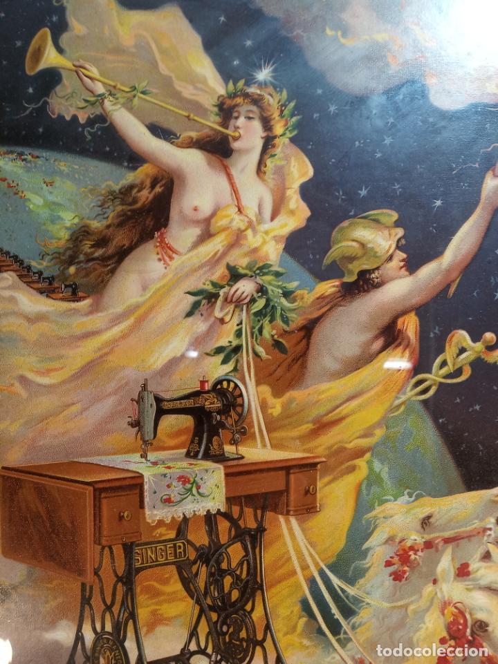Antigüedades: Muy bello cartel litografiado con publicidad de máquinas Singer de coser. S. Durá. Valencia. - Foto 3 - 222504577