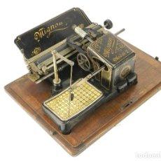 Antigüedades: MAQUINA DE ESCRIBIR MIGNON Nº2 AÑO 1905 TYPEWRITER SCHREIBMASCHINE A ECRIRE. Lote 222546973