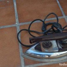 Antigüedades: PLANCHA ELÉCTRICA ANTIGUA. Lote 222581857