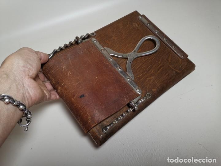 Antigüedades: ANTIGUA PRENSA DE ROBLE CUERO Y BRONCE PARA LIBROS ..FLORES -PORTATIL -siglo XIX-PARIS - Foto 5 - 222598363