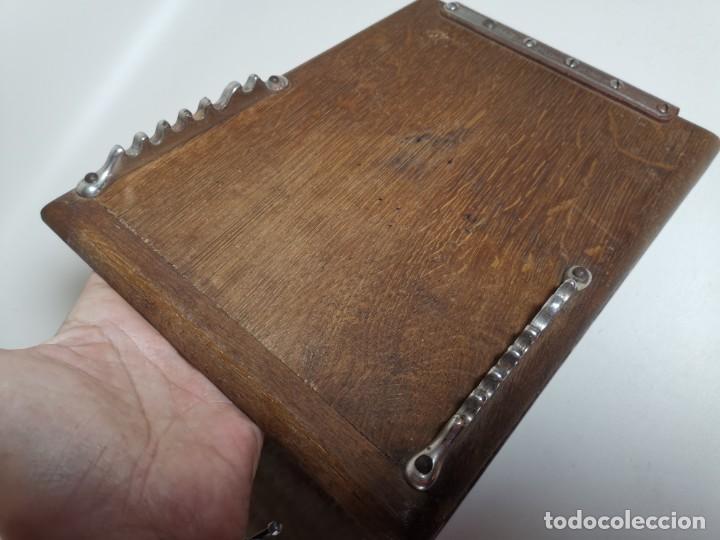 Antigüedades: ANTIGUA PRENSA DE ROBLE CUERO Y BRONCE PARA LIBROS ..FLORES -PORTATIL -siglo XIX-PARIS - Foto 20 - 222598363
