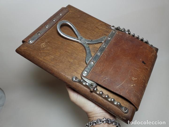 Antigüedades: ANTIGUA PRENSA DE ROBLE CUERO Y BRONCE PARA LIBROS ..FLORES -PORTATIL -siglo XIX-PARIS - Foto 22 - 222598363
