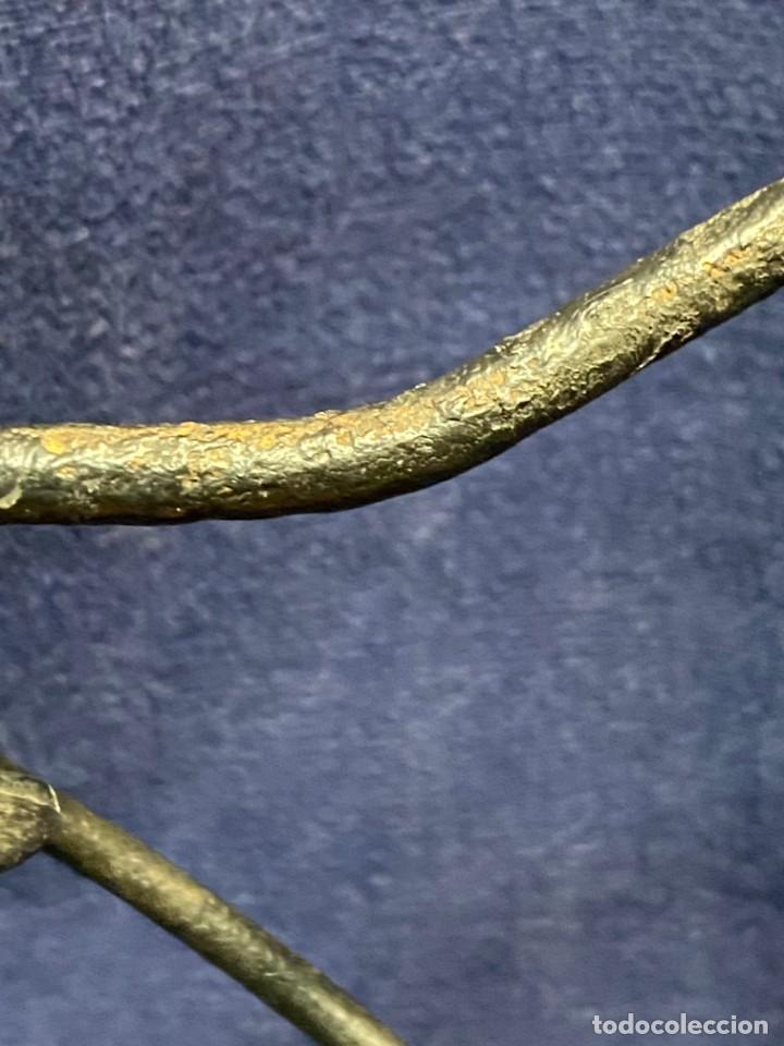 Antigüedades: lampara carburo minero mineria mina francia fin s xix ppio xx bronce hierro ver fotos 21x10cms - Foto 13 - 222622797