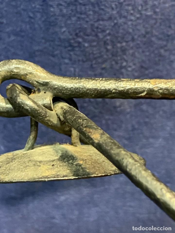 Antigüedades: lampara carburo minero mineria mina francia fin s xix ppio xx bronce hierro ver fotos 21x10cms - Foto 14 - 222622797