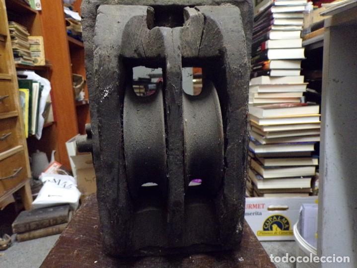 Antigüedades: antigua polea de doble roldana tipo naval de madera y hierro forjado garrucha - Foto 8 - 222682266