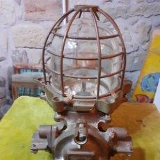 Antigüedades: FARÓL LUZ DE BARCO EN BRONCE. Lote 222703093