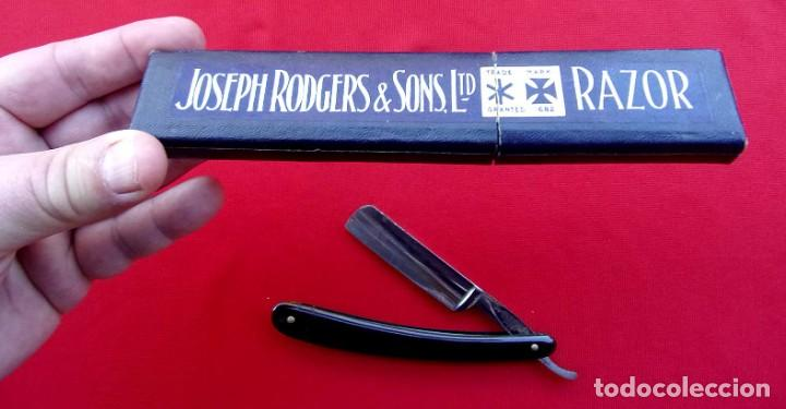 ANTIGUA NAVAJA DE AFEITAR EN SU CAJA. JOSEP RODGERS & SONS LTD. RAZOR. SHEFFIELD. EXPECTACULAR CAJA. (Antigüedades - Técnicas - Barbería - Navajas Antiguas)