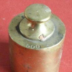 Antigüedades: PESA BRONCE 500 GR. --- 500 GRAMOS BALLARIN BARCELONA (O SIMILAR). Lote 222802597