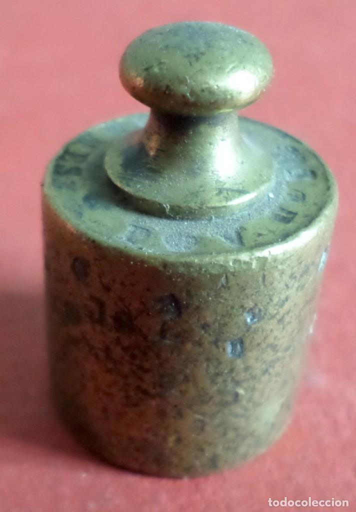 PESA BRONCE 50 GR.--- 50 GRAMMES F.V.- G.F EN LA BASE Y LATERA CON PUNZONES (Antigüedades - Técnicas - Medidas de Peso Antiguas - Otras)