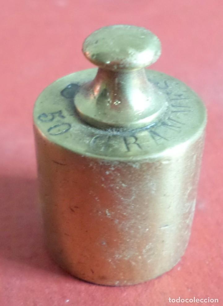 PESA BRONCE 500 GR.--- 500 GRAMES – CORONA CON UN T (Antigüedades - Técnicas - Medidas de Peso Antiguas - Otras)