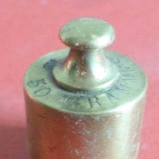 Antigüedades: PESA BRONCE 500 GR.--- 500 GRAMES – CORONA CON UN T. Lote 222803873