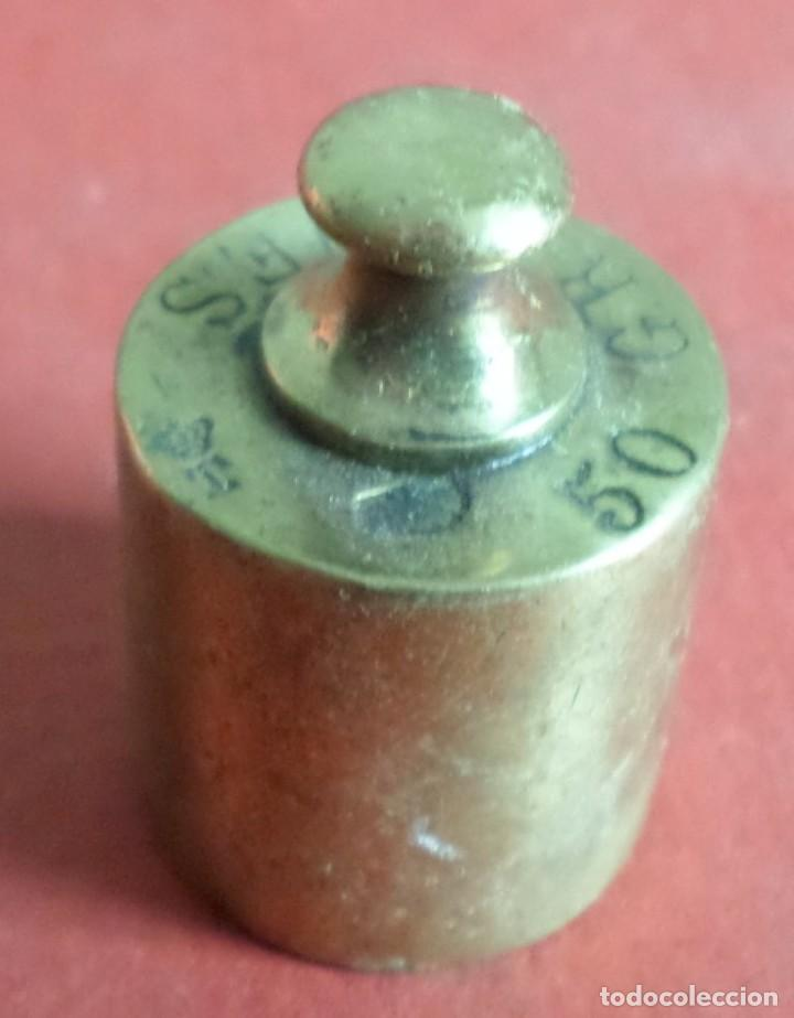 Antigüedades: Pesa bronce 500 gr.--- 500 grames – corona con un T - Foto 2 - 222803873