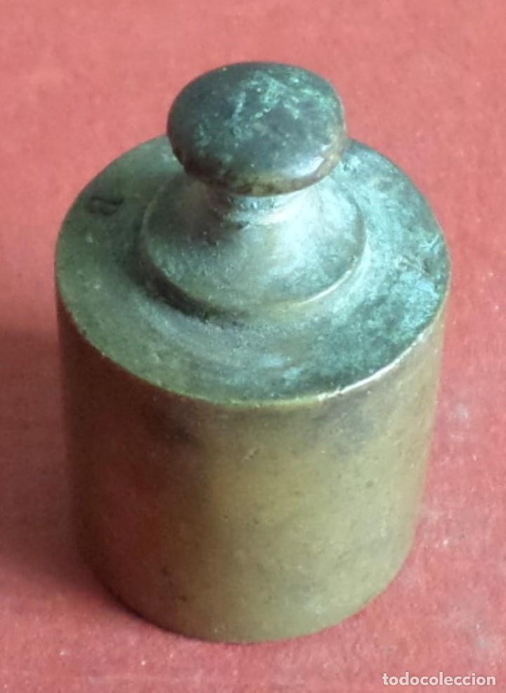 Antigüedades: Pesa bronce 50 gr. --- Marcajes muy borrados - Foto 2 - 222804115