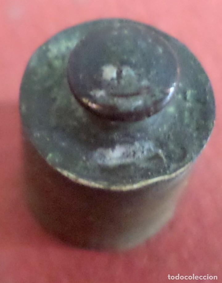Antigüedades: Pesa bronce 10 gr. -- Al estar la foto ampliada se ve más fea de lo que esta - Foto 4 - 222805616