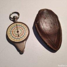 Antigüedades: CURVIMETRO ANTIGUO, AÑOS 40-50, CON FUNDA ORIGINAL. Lote 222807308
