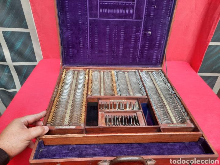 ANTIGUO MALETÍN GRANDE DE LENTES ÓPTICAS DE DE OFTALMOLÓGIA PROBABLEMENTE SIGLO XIX (Antigüedades - Técnicas - Otros Instrumentos Ópticos Antiguos)