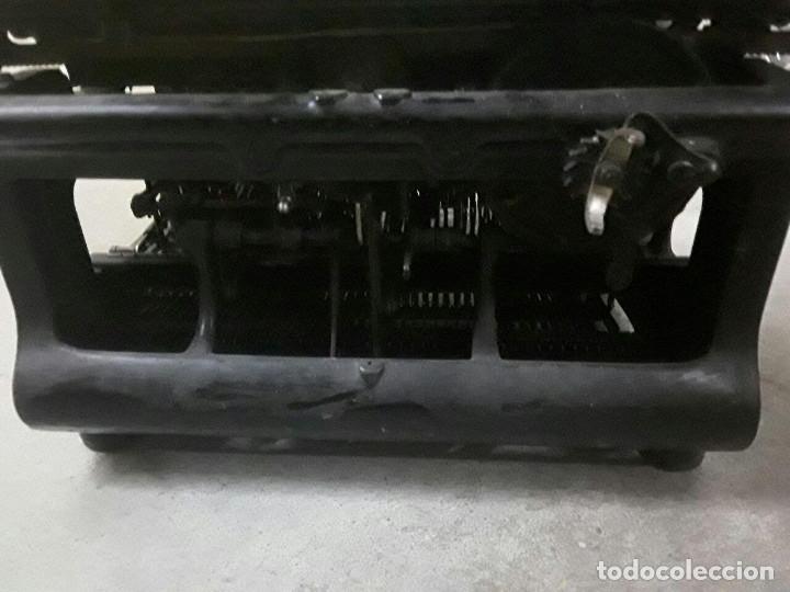 Antigüedades: Antigua y muy bonita máquina de escribir - Marca Ideal - Principios 1900´s - - Foto 6 - 222847802