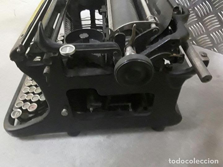 Antigüedades: Antigua y muy bonita máquina de escribir - Marca Ideal - Principios 1900´s - - Foto 9 - 222847802