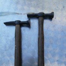 Antigüedades: 2 ANTIGUOS MARTILLOS DE HOJALATERO CHAPISTA SELLADOS. Lote 222854028