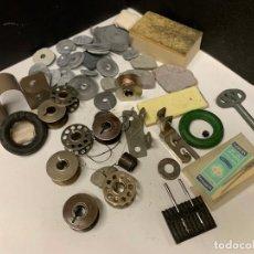 Antigüedades: LOTE DE COMPLEMENTOS PARA MAQUINA DE COSER. Lote 222917043