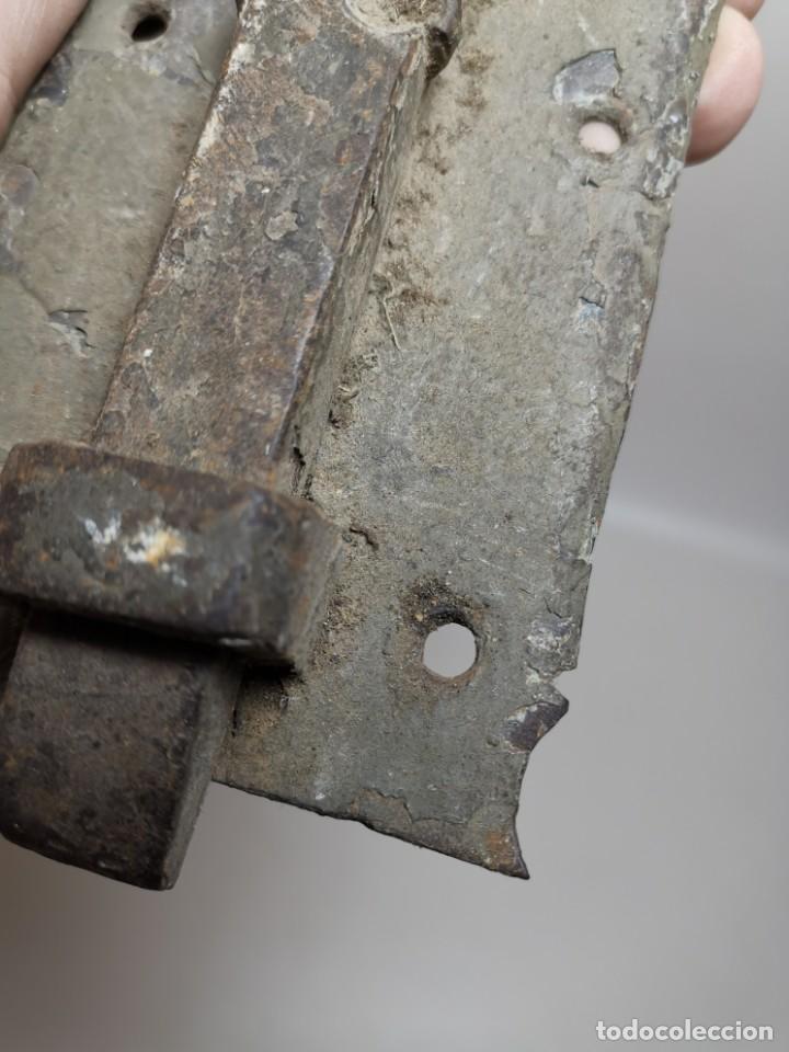 Antigüedades: PESTILLO PASADOR CERROJO FORJA MANUAL CATALUÑA ESPAÑA . S. XVIII . - Foto 11 - 223065041