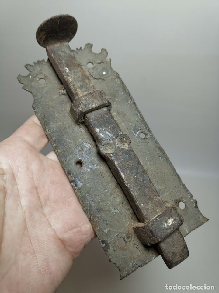 Antigüedades: PESTILLO PASADOR CERROJO FORJA MANUAL CATALUÑA ESPAÑA . S. XVIII . - Foto 19 - 223065041