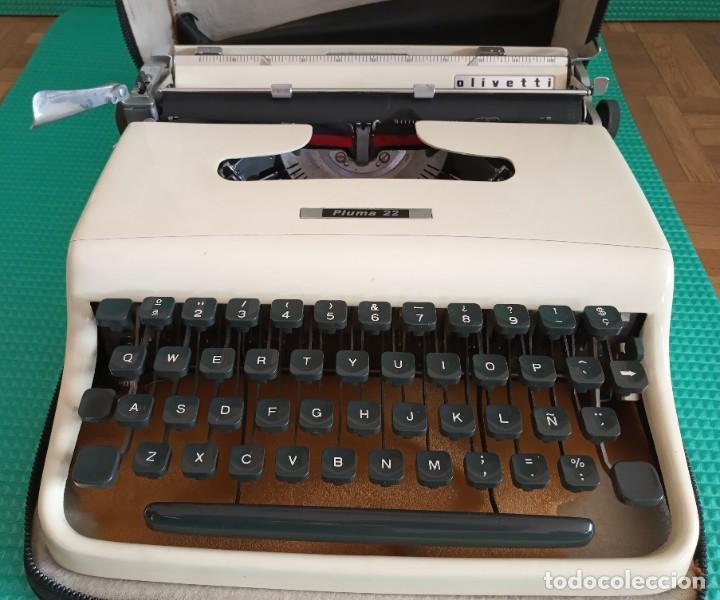 MAQUINA DE ESCRIBIR OLIVETTI PLUMA 22 (Antigüedades - Técnicas - Máquinas de Escribir Antiguas - Olivetti)