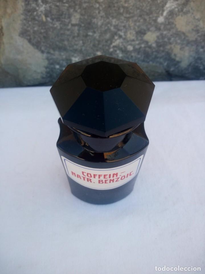 Antigüedades: Antiguo frasco de vidrio marrón oscuro de farmacia o botica coffein-natr.benzoic - Foto 2 - 223134373