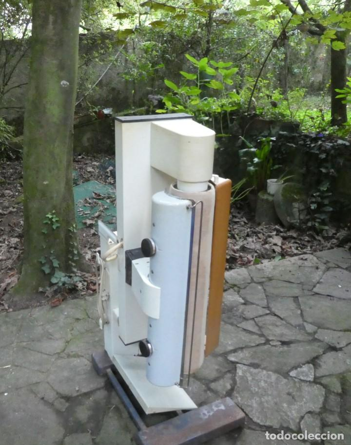PLANCHADORA ELECTRONICA AEG (Antigüedades - Técnicas - Planchas Antiguas - Varios)