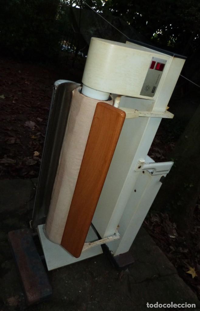 Antigüedades: PLANCHADORA ELECTRONICA AEG - Foto 7 - 223141843