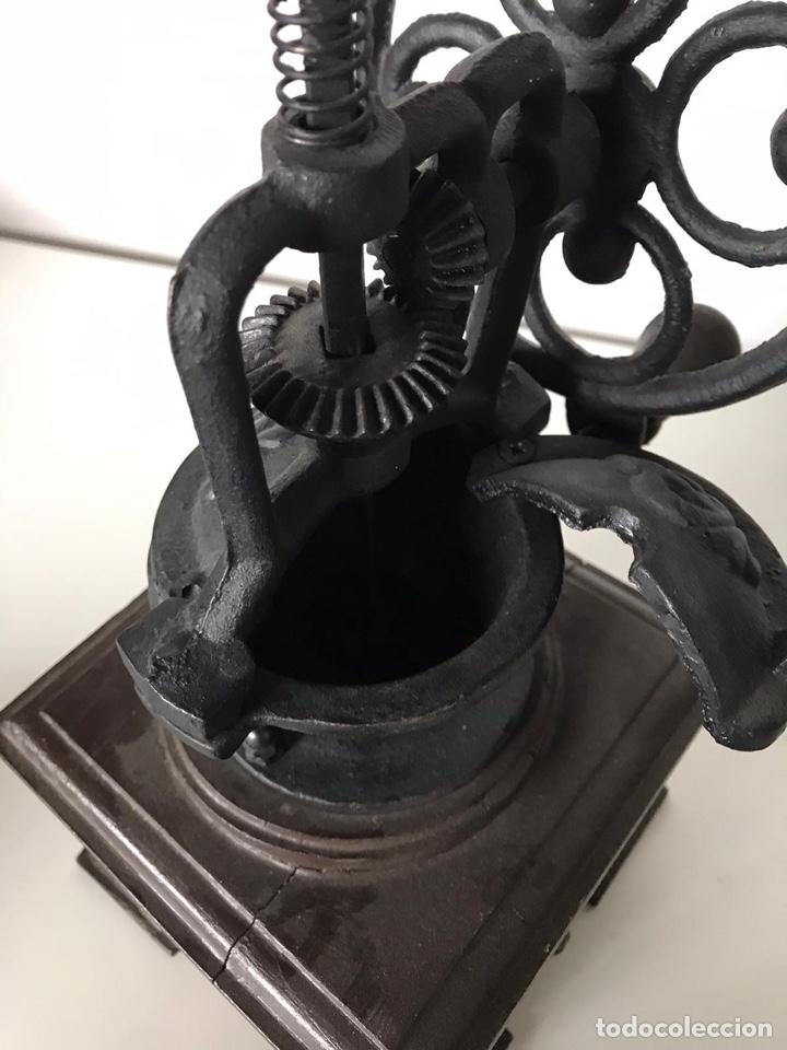 Antigüedades: Antiguo molinillo de café - Foto 3 - 223342801