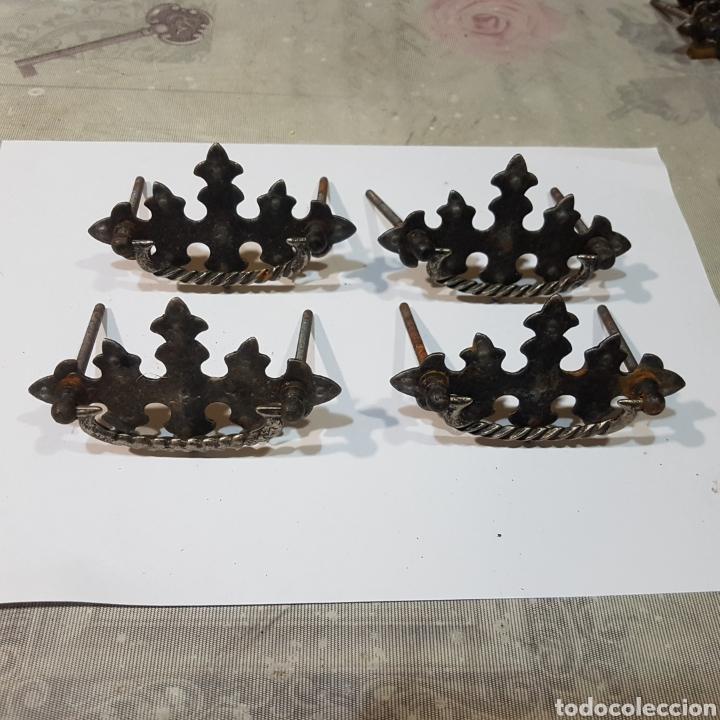 LOTE DE 4 TIRADORES ANTIGUOS (Antigüedades - Técnicas - Cerrajería y Forja - Tiradores Antiguos)