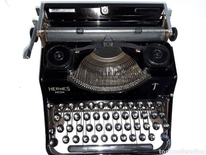 Antigüedades: ESCRIBIR TYPEWRITER SCHREIBMASCHINE HERMES MEDIA - Foto 2 - 223379438