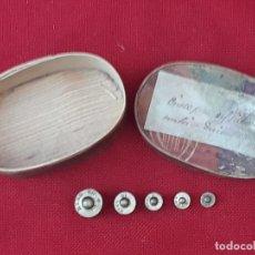 Antigüedades: CAJITA ANTIGUA DE MADERA - CINCO PESAS DEL SISTEMA METRICO DECIMAL.. Lote 223388296