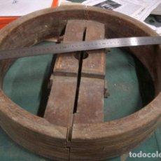 Antigüedades: ANTIGUA RUEDA INDUSTRIAL DE MADERA VER FOTOS. Lote 223397307