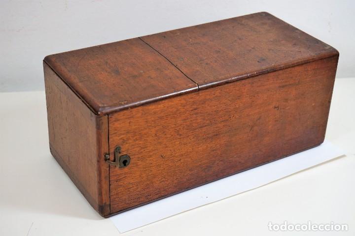"Antigüedades: ANTIGUO MICROSCOPIO INGLÉS ""SMITH AND BECK"" modelo MILKBOX c. 1847 - Foto 2 - 223499410"