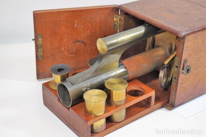 "Antigüedades: ANTIGUO MICROSCOPIO INGLÉS ""SMITH AND BECK"" modelo MILKBOX c. 1847 - Foto 4 - 223499410"
