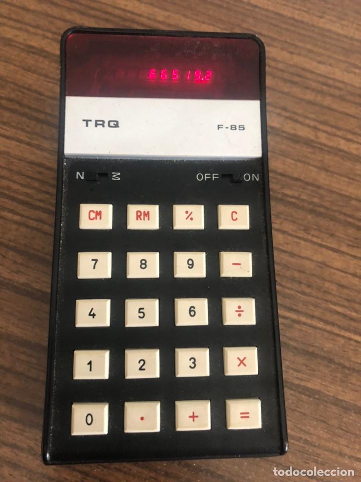 ANTIGUA CALCULADORA CON LEDS ROJOS TRQ F85 DE LO AÑOS 70 (Antigüedades - Técnicas - Aparatos de Cálculo - Calculadoras Antiguas)