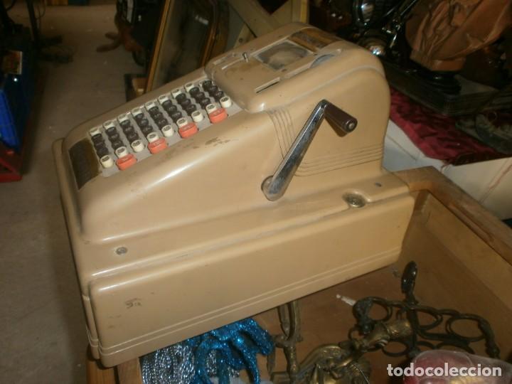 Antigüedades: Caja registradora manual marca VICTOR marca y abre el cajón sin llaves medida 39 X 29 X 29 cm. - Foto 4 - 26227650