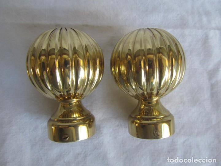 Antigüedades: Pareja de pomos o remates de bronce - Foto 2 - 223743908