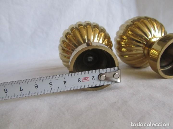 Antigüedades: Pareja de pomos o remates de bronce - Foto 5 - 223743908