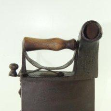 Antigüedades: ANTIGUA PLANCHA DE CARBÓN AÑOS 20-30 DECORACIÓN HIERRO FORJADO. Lote 223947803