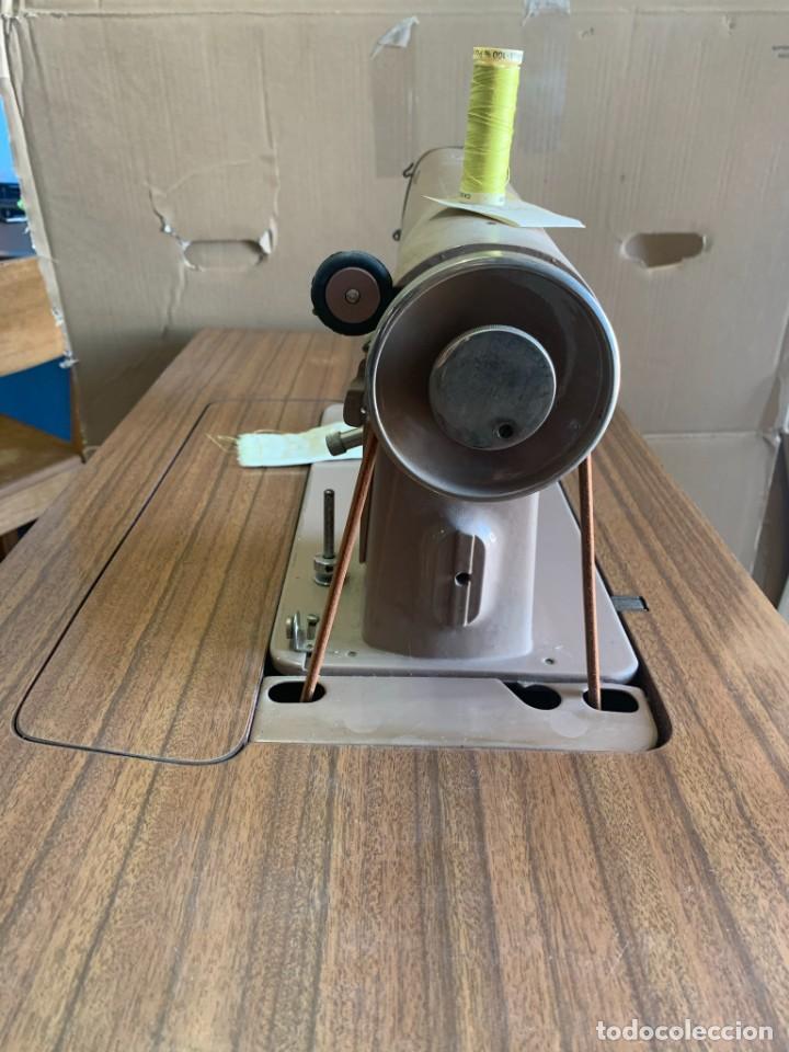 Antigüedades: Maquina de Coser - Singer - Vintage - visionada Excellent condition - Foto 2 - 224199551