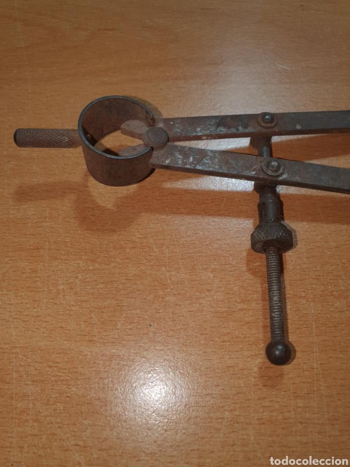 Antigüedades: Antiguo compas con más de dos siglos - Foto 3 - 224244148
