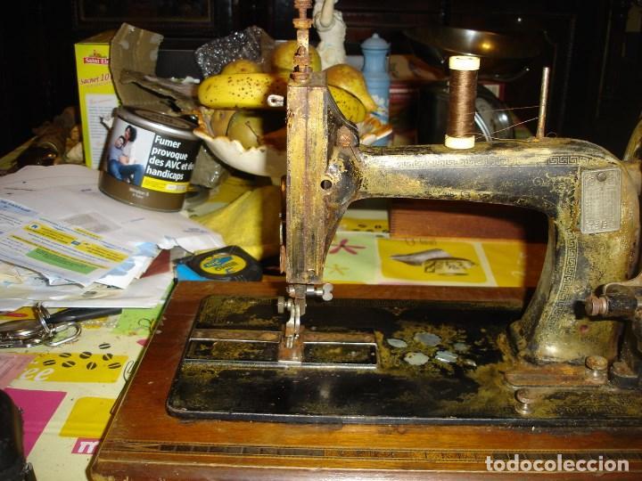 BONITA MAQUINA DE COSER ANOS 1900 (Antigüedades - Técnicas - Máquinas de Coser Antiguas - Frister & Rossmann)