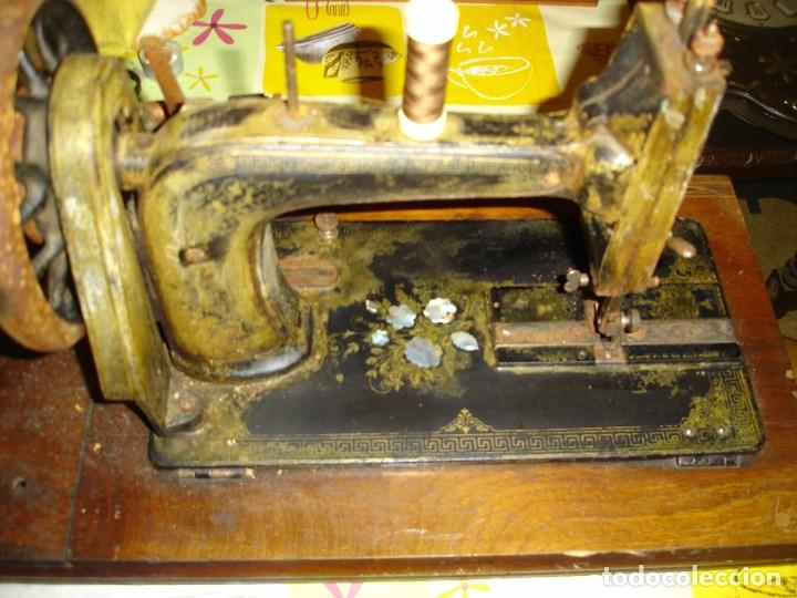 Antigüedades: bonita maquina de coser anos 1900 - Foto 3 - 224446385