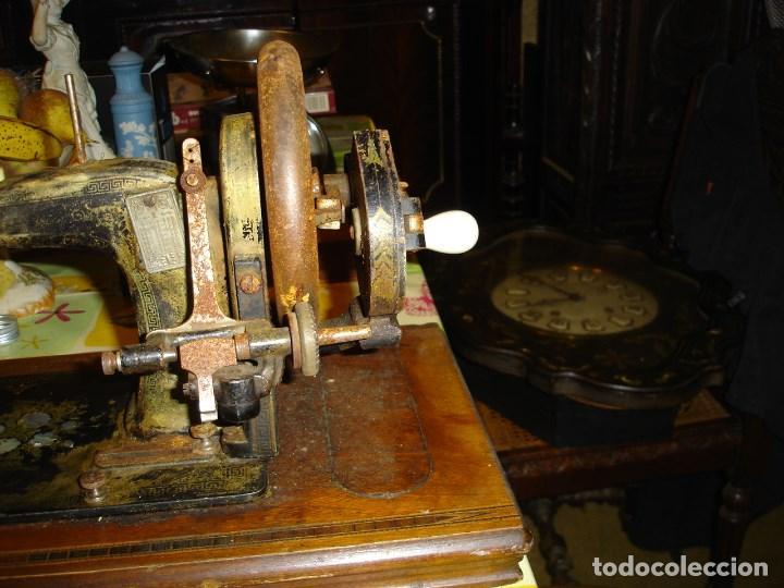 Antigüedades: bonita maquina de coser anos 1900 - Foto 4 - 224446385