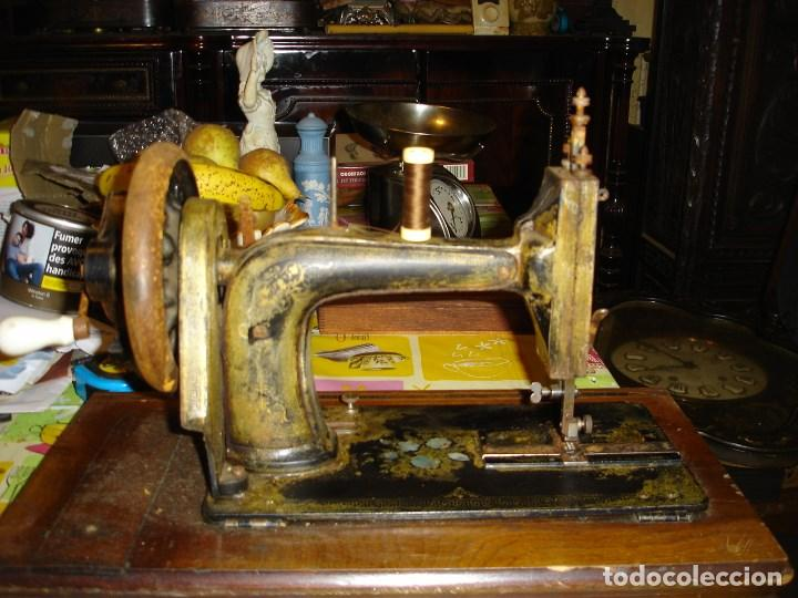 Antigüedades: bonita maquina de coser anos 1900 - Foto 5 - 224446385